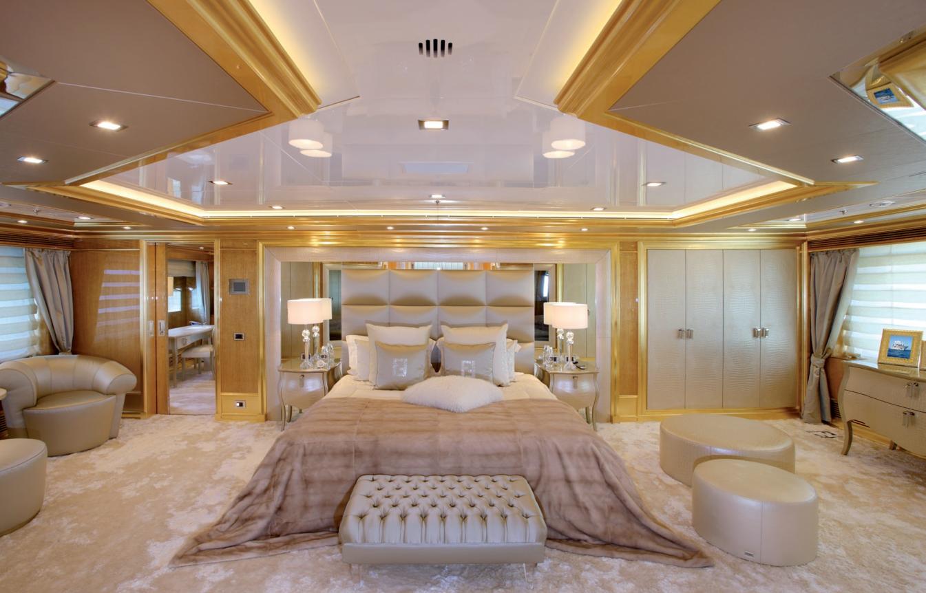 Yachtline 1618 e arnia arnia for Interni di lusso